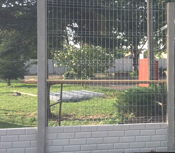 3D kerítés betonoszloppal