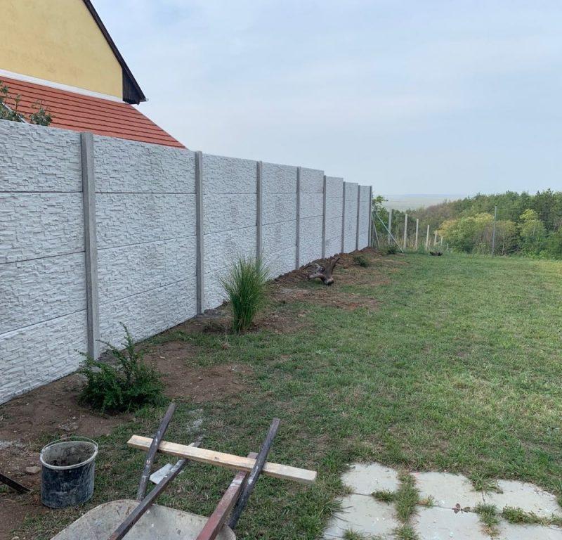 Fertőboz Törtkő (standard) betonkerítés