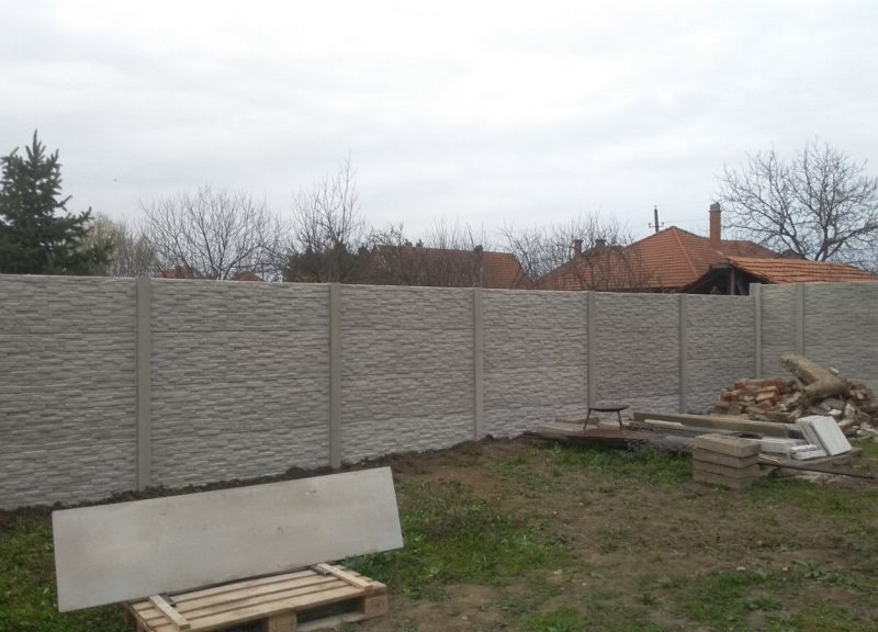 Gyula Törtkő (Standard) Betonkerítés